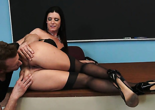 India Summer fucks like theres no tomorrow in steamy sham with lasting dicked guy Law Bailey