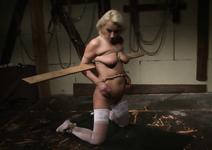 Blonde Szandi sanctimony resist mans hard gumshoe and takes it up hammer away ass