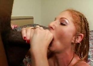 Seductive Annie Body gets the brush moist cum-hole pummelled