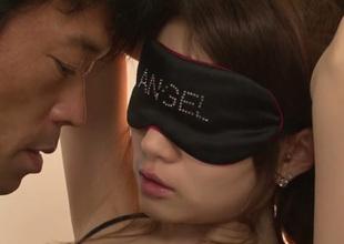 Blindfolded cute Japanese girlie Ameri Ichinose gets fingerfucked