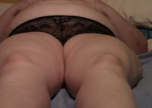Rubbing and fingering my older heavy housewife in bed