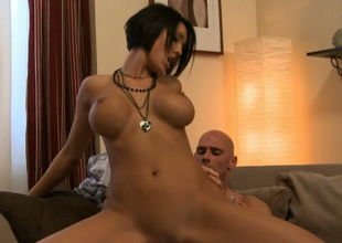 Dark brown bombshell Dylan Ryder gets drilled well by Johnny Nitro