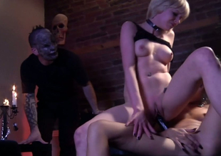 Lesbian bitches Hellizabeth and Ges Spade fuck roughly sex toys