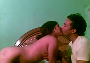Amateur Indian chick giving groupie in homemade sex tape
