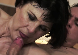 Margo T. warms man up and takes his meat dedicate