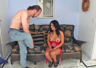 Asian milf Jessica Bangkok gets screwed by a slim ladies'