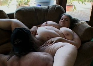 Fat tart lays down with an increment of lets her man work around her chubby convocation