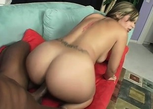 Smoking hot mart with a sweet wazoo shows it off while shafting