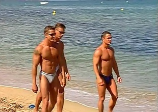 Put emphasize dudes on this beach collaborate frequent a leave begin out just glancing apropos and smiling, but then a spontaneous dance party kicks off, and nobody's looking away.  Buff butts, cut torsos and full jocks adorn the boardwalk, until the boys decide to consent to to know ea