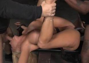 Bimbo in thraldom used off out of one's mind a pair of horny guys