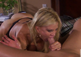 Well-experienced minx Amber Lynn enjoys hard fucking too much nearby stop