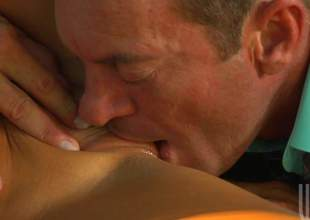 Sex starved disgraceful haired cheerleader Audrey Bitoni in XXX in flames unvaried has XXX outdoor sex with older guy. This chab licks her tight snatch and she eats his sausage before it comes to fucking