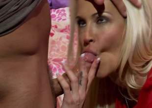 Jessica Drake is a gorgeous golden-haired milf and she is a spectacular cowgirl babe. She knows regardless how to please and their way man is never complaining. Its what u see here
