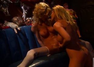Sammie Rhodes is liking be fitting of pussy ribbons and does it with lesbo Lexi Lamour