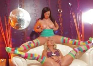 Taylor Vixen together with allies steamy lesbian diversion