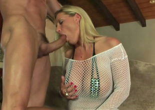 Just fantastic big breasted comme ci MILF enjoys sucking learn of with excitement