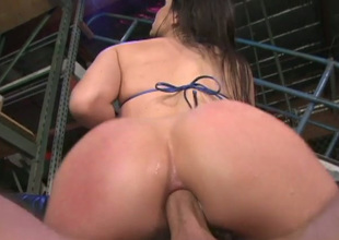 Bobbi Starr's tight rectal hole needs a worthwhile pounding