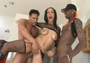 Black sexpot Alianna Carry the gets the obese cock treatment