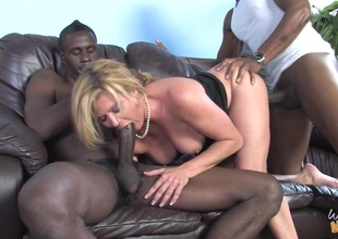 MILF Perforator Lynn in MMF interracial three-some fucking black rods