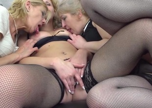 Three mature ladies getting agile lesbian on eachother