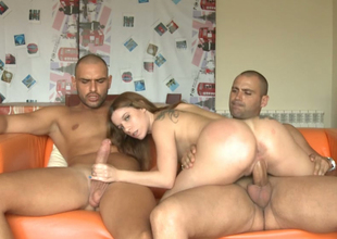 Spear-carrier pretty chick fucking muddy in MMF threesome action