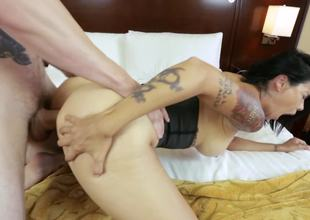 Corseted milf slut Dana Vespoli fucked up the ass