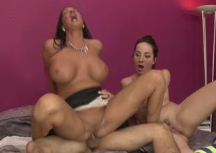 Slender slut and a curvy mommy ride a dick together
