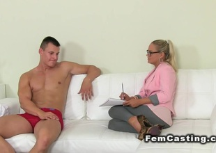 Blonde agent girl rode muscled guy