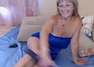 Grown-up MILF Uses A Dildo On Webcam