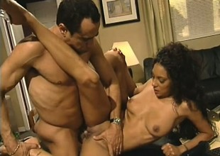 Office slut Dee shows her supplementary particular work faculties on her governance prick