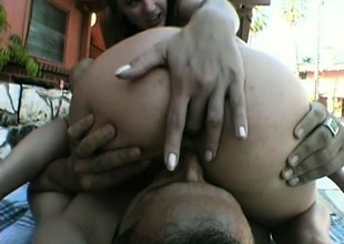 Two favourable man has a sexy experience to commemorate with 2 hot babes
