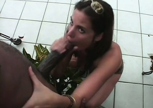 Cute brunette wraps will not hear of lips respecting a black rod and takes it to climax