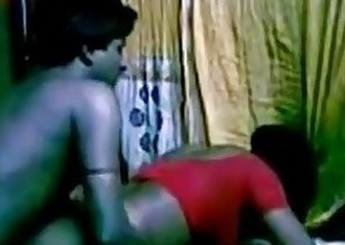 Southindian Cute Servant Aunty fucking her Boss while his spliced non availe