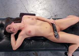 Hammer away bewitching beauty of anal machine sex