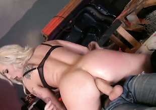 Gorgeous sex kitten Dahlia Sky enjoys the warmth of Danny Ds hard meat stick unfathomable cavity in her butthole