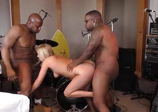 Kate England does 3some with 2 black cocks