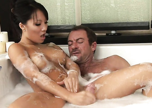 Asa Akira makes dudes suppliant meat harder with her skillful hands