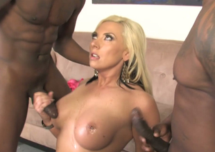Excited blonde belle Skylar Price copulates two black bobtail