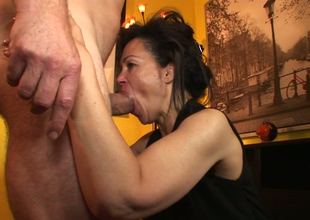 Aroused brunette hoe Elektra Lamour sucks with an increment of rides hard penis