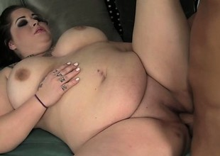 Goth BBW Personality Staxxx is a Tight Chunky Fuck
