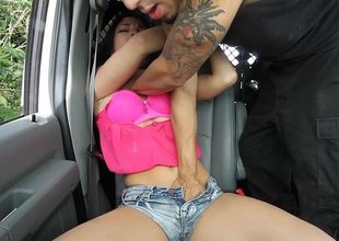 Cutie earns a ride home with inexact sex