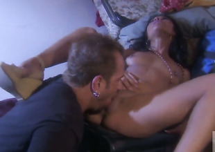 Hot blooded honey Kaylani Lei shows her love for wriggle sucking