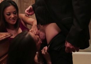 Kaylani Lei and Kalina Ryu swell up cock in the bathroom