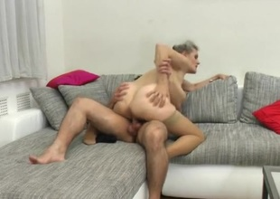 Ramrod eating granny climbs on top and rides him