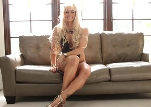 Leggy blond dam is mad hot up her interview