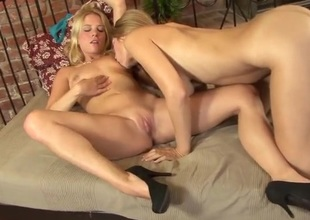 Kissing increased by titty sucking blonde lesbian babes