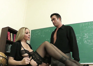 Julia Ann fucking like a first rate whore in steamy sex action with Billy Glide