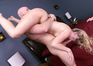 Johnny Sins gets relaxation from fucking super hawt Melissa Mays mouth