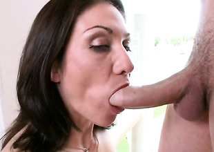 Ignorance Karrlie Dawn with fizzy butt has vivacity in her eyes as she takes cum shot on her desirous face