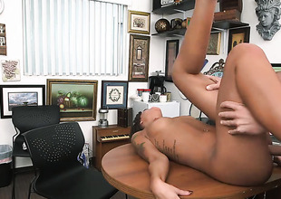 Brunette chicana London Winters with bubbly booty knows go wool-gathering hard boner to limbs is the only thing go wool-gathering can make her feel more excellent